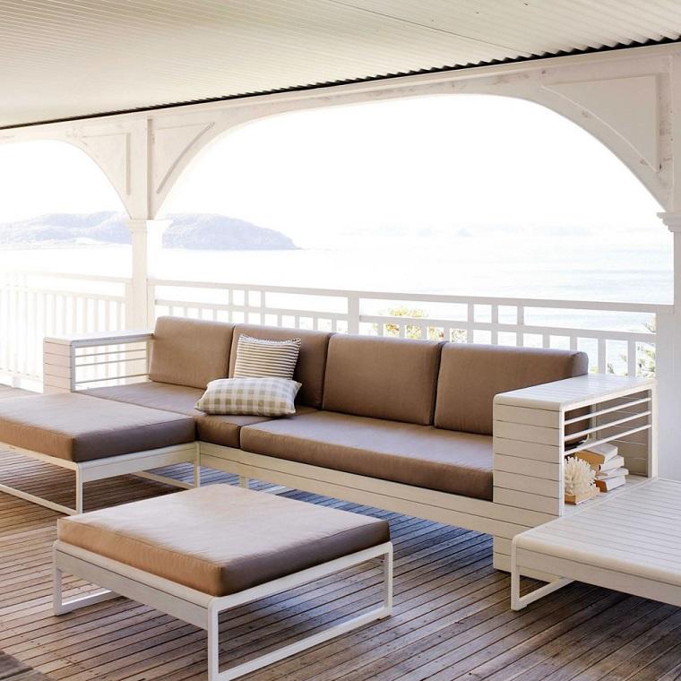 mobili per esterno tonalita neutre