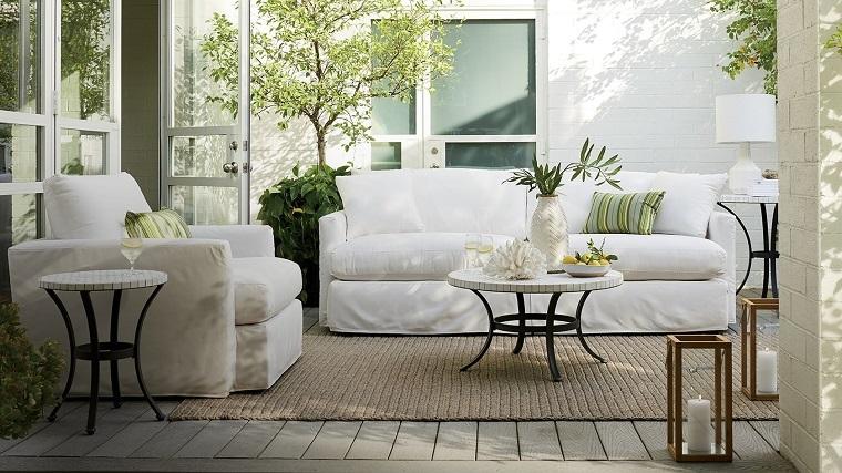 Outdoor come allestire il terrazzo in modo confortevole for Divani da terrazzo