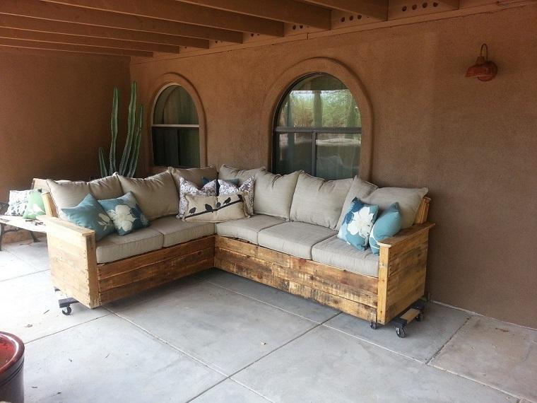 Pallet usati per creare dei mobili da esterno mozzafiato - Divani da giardino usati ...