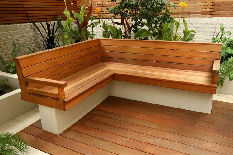 Pallet usati per creare dei mobili da esterno mozzafiato for Mobili da giardino usati milano