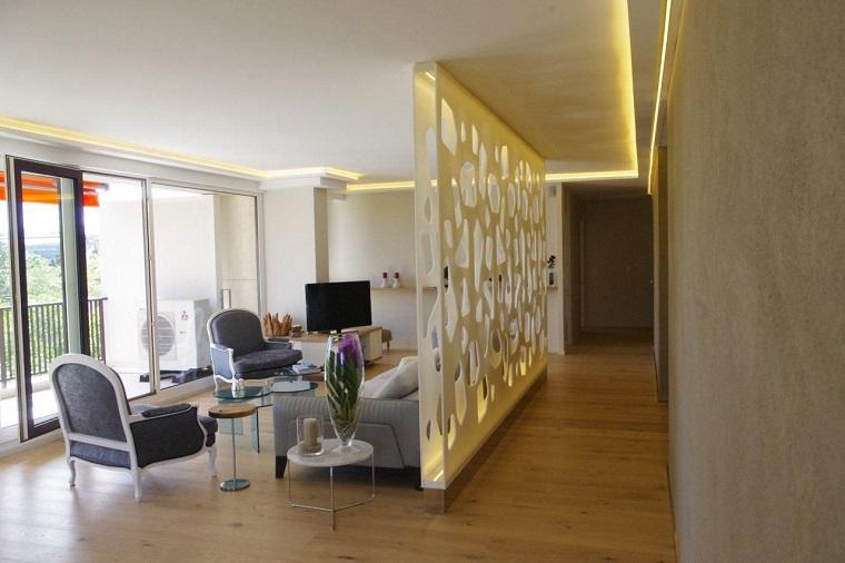 Parete divisoria per un soggiorno alla moda e di design - Parete divisoria mobile ...
