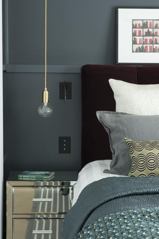 pareti grigie stanza letto lampadario sospensione