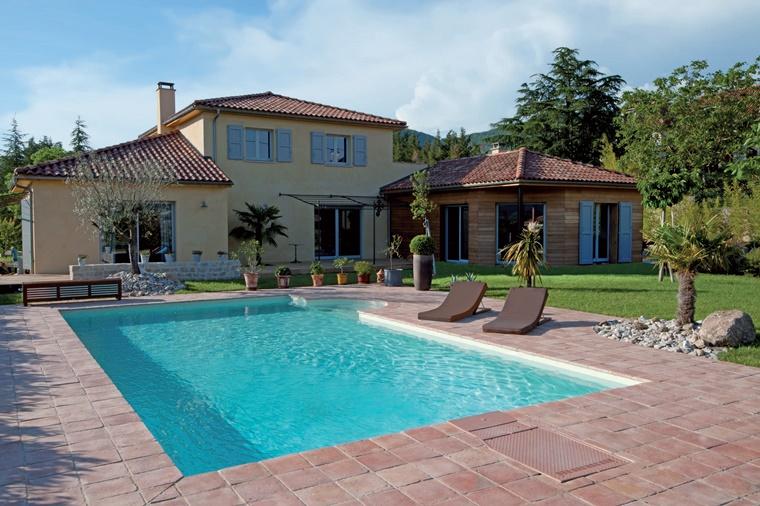 piscina da giardino design elegante