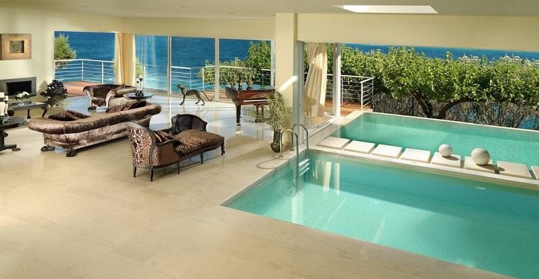 piscina greca interna arredamento moderno