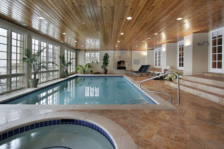 Piscina esterna dal design moderno per una vera oasi - Piscina interna casa ...