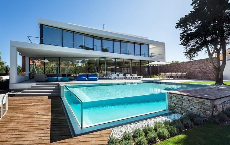 piscina vetro design avanguardia casa moderna