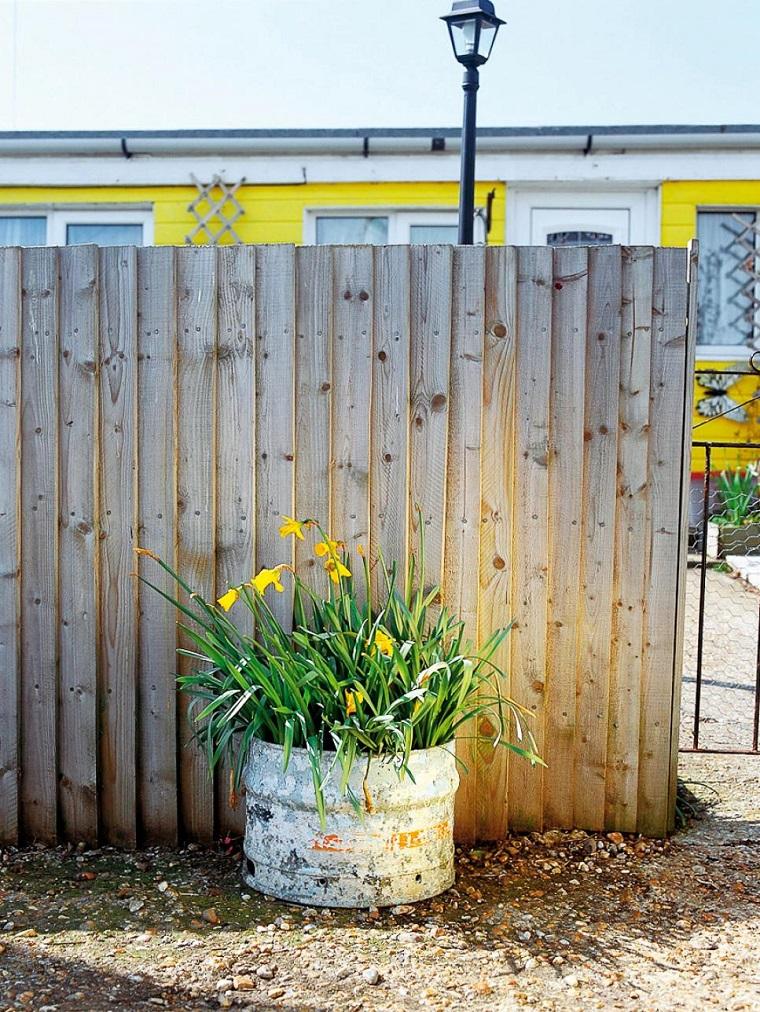 Recinzione giardino spunti per creare un outdoor con stile ed eleganza - Recinzione per giardino ...