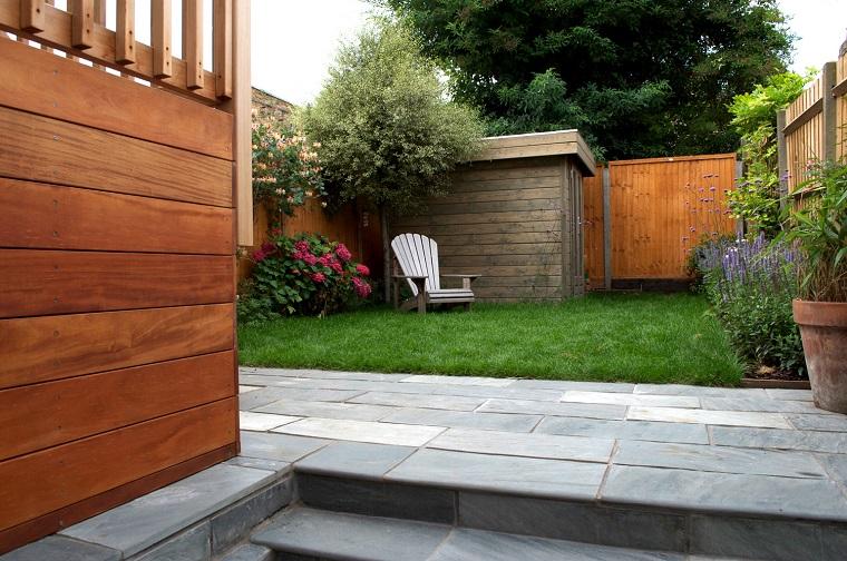 recinzione giardino legno area verde molto ampia