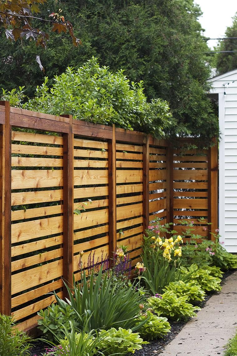 Recinzione giardino spunti per creare un outdoor con for Recinzioni giardino legno