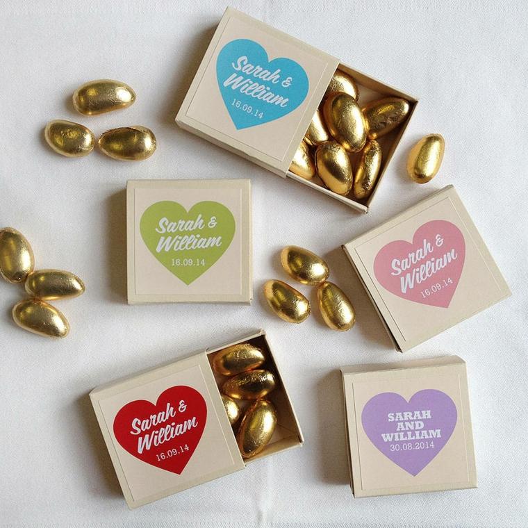 sacchetti bomboniere fai da te scatola con confetti incaratati da carta colore oro