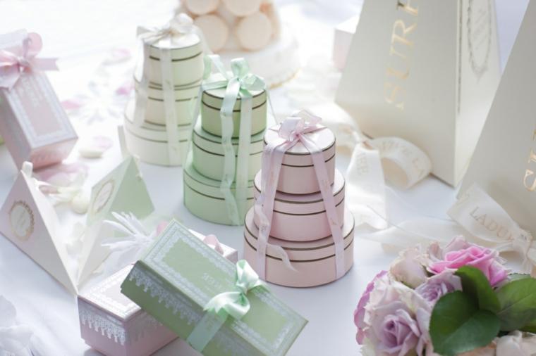 sacchetti per confetti fai da te scatolette di di carta decorate con nastri colorati