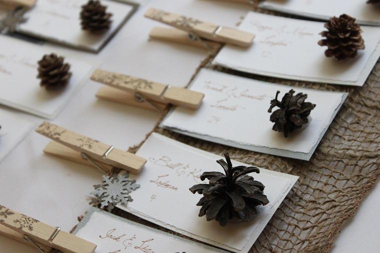 segnaposti originali mollette legno pigna
