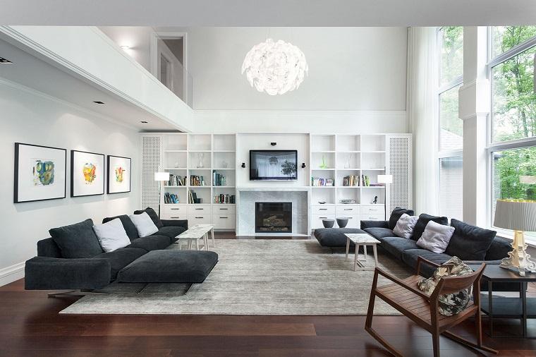 soggiorno moderno due grandi divani grigi
