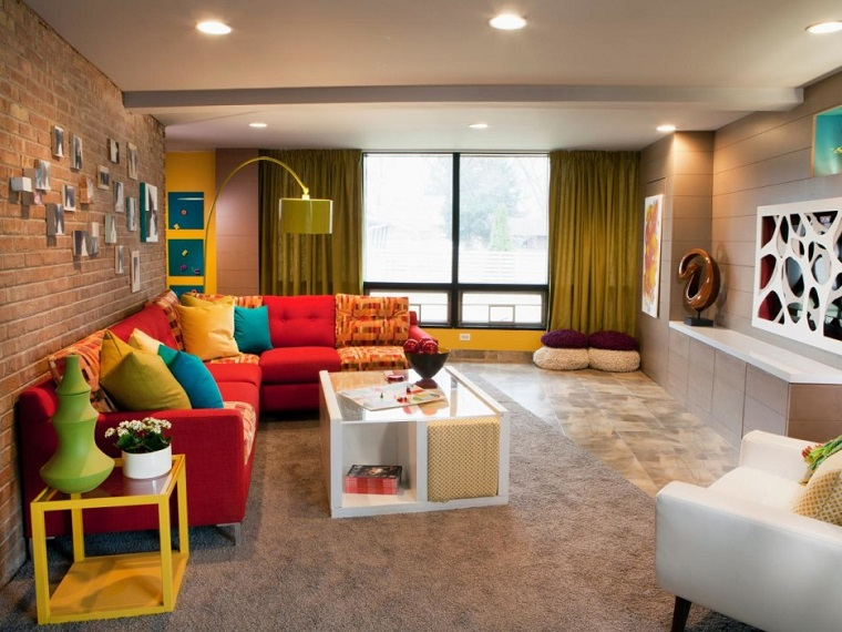 Come arredare un soggiorno con mobili e decorazioni - Pomelli colorati per mobili ...