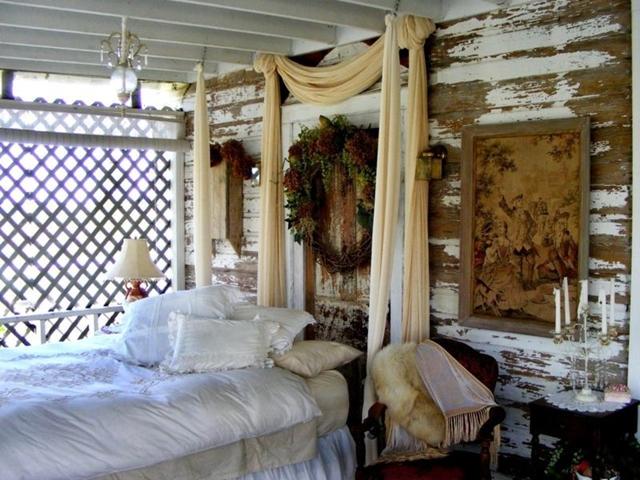 Camere da letto shabby chic interpretare il passato in for Parete dietro letto