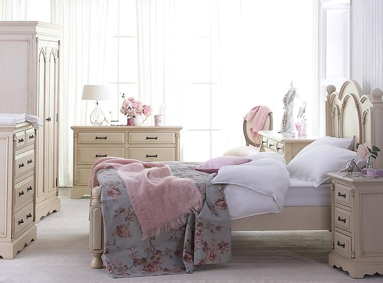 stanza da letto stile shabby chic arredata mobile colore crema