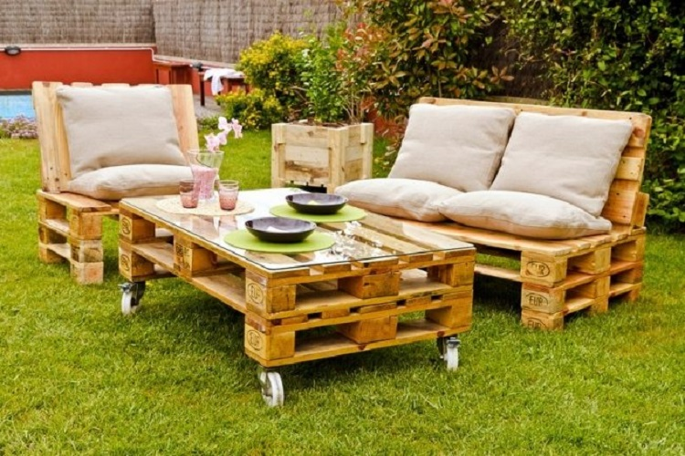 Costruire Un Tavolo Da Giardino In Legno.Tavoli Da Giardino Suggerimenti Originali In Pallet Riciclati