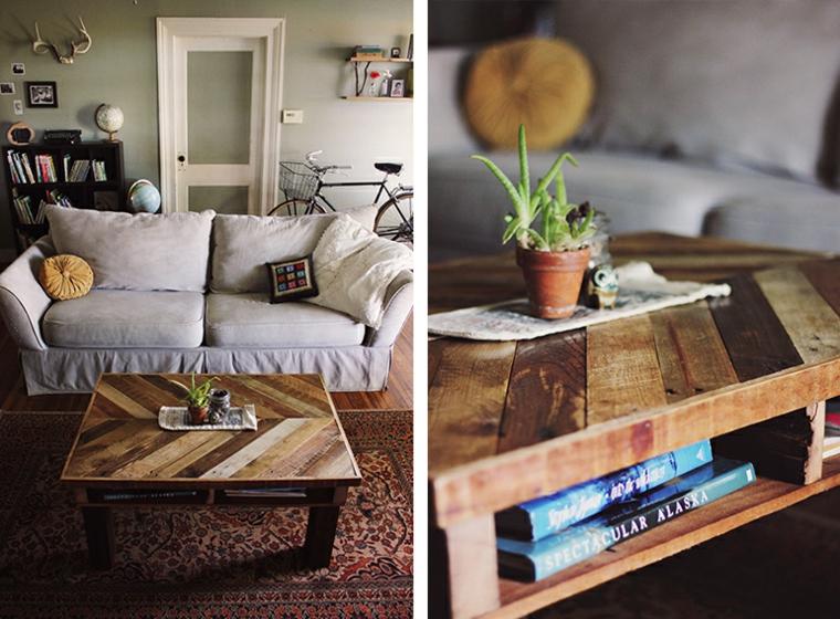 Creare con i bancali, soggiorno con divano e tavolino basso con centrotavola