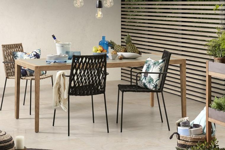 terrazzi arredati moderni set di mobili in legno con tavolo e sedie decorazione con lampade sospese