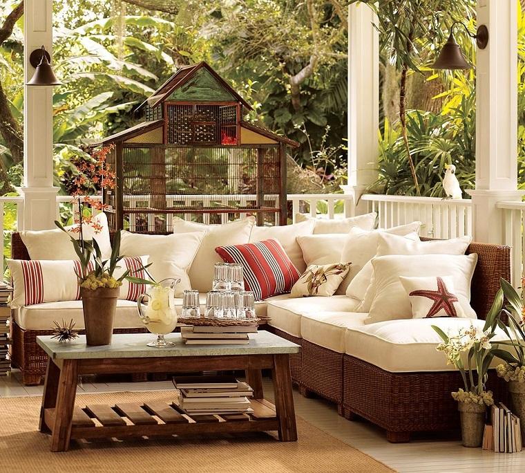terrazzi arredati stile classico colori neutri