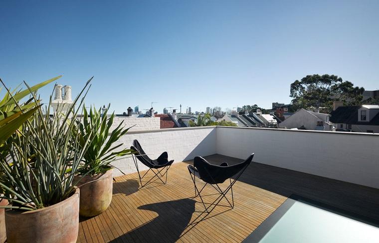 terrazzi arredati stile minimal pavimento legno