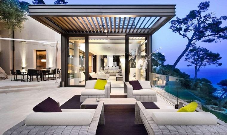 terrazzo arredato mobili bianchi design