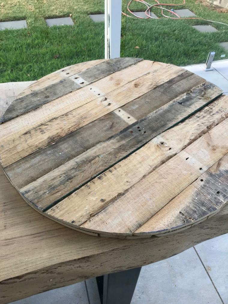 Come costruire un tavolo da giardino con pallet, tutorial tavolo con bancali di legno