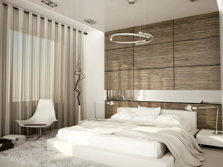 Parete in legno, zona notte con tappeto, lampada led forma circolare, tende di colore grigio