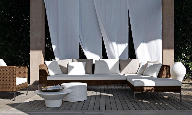Arredamento casa moderna proposte di design per la vostra for Arredamento particolare