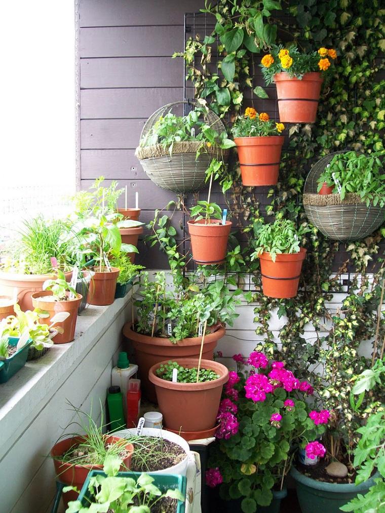 arredare balcone piccole dimensioni soluzione piante