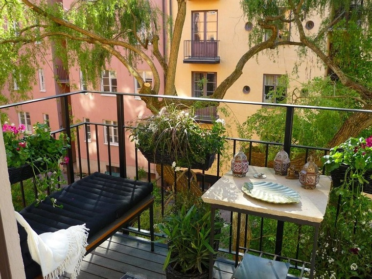 arredo balcone piccolo chaise longue