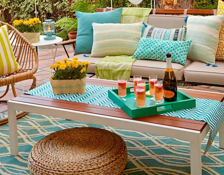 Come allestire un giardino dal design moderno con tante for Arredo giardino mercatone uno
