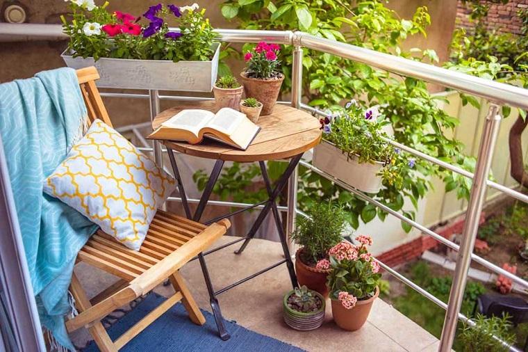 balcone dimensioni ridotte delizioso angolo relax