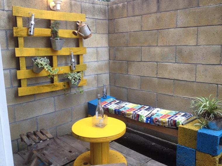 Arredi Per Piccoli Balconi : Balcone: ecco come arredare uno spazio piccolo in modo funzionale