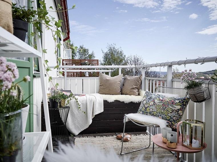 Balcone: ecco come arredare uno spazio piccolo in modo funzionale ...