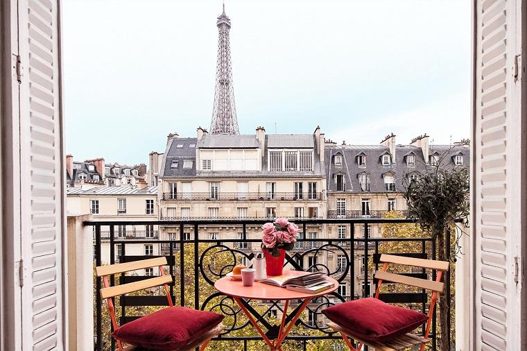 balconi piccole dimensioni tavolo due sedie