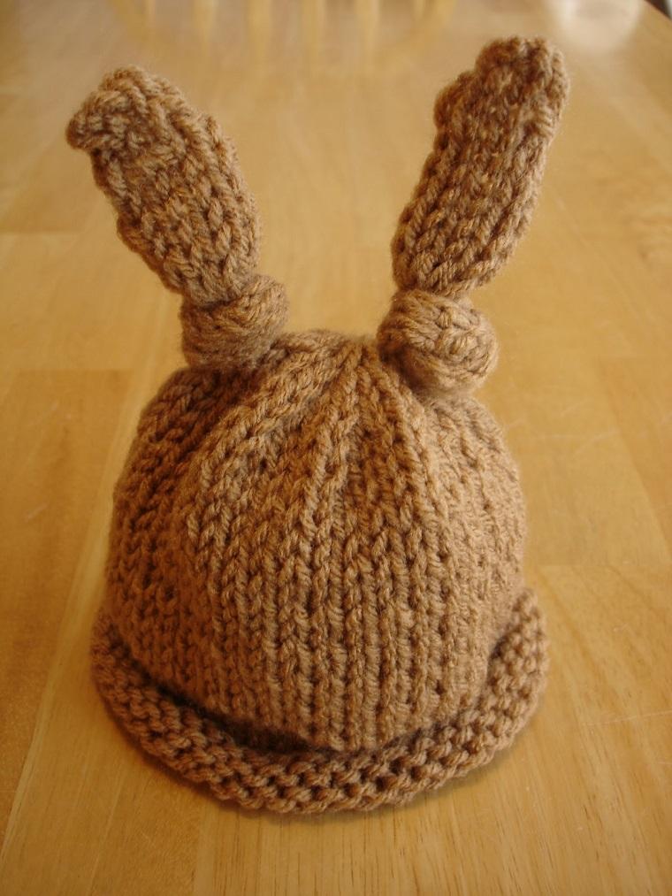 cappellino maglia fai da te maschietto colore marrone