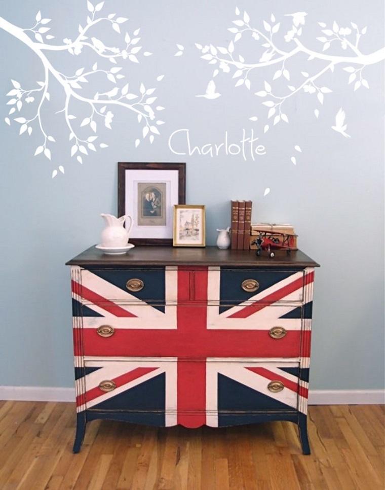 cassettone dipinto colori bandiera inglese