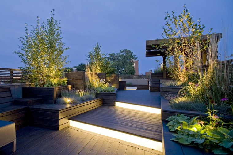 come abbellire un giardino illuminazione particolare