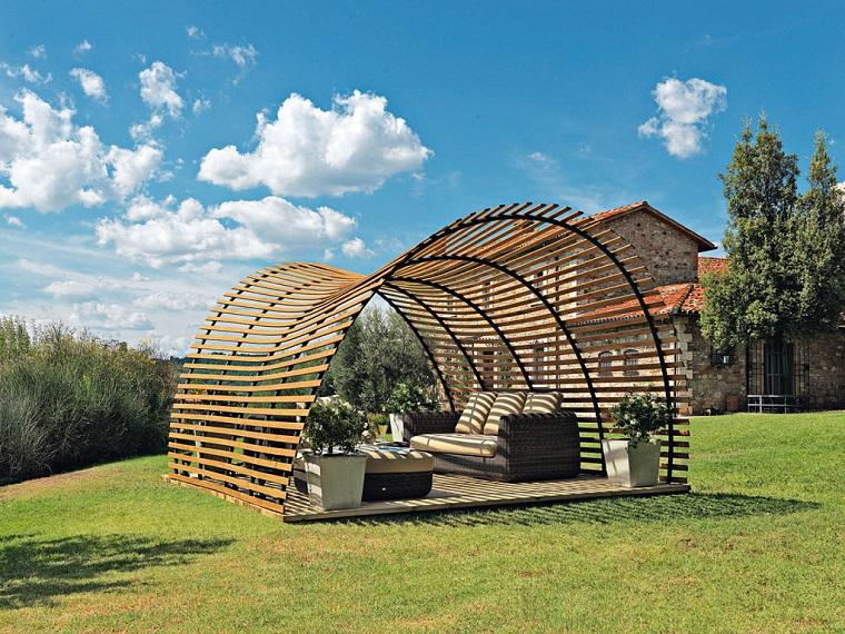 come abbellire un giardino pergola legno design originale