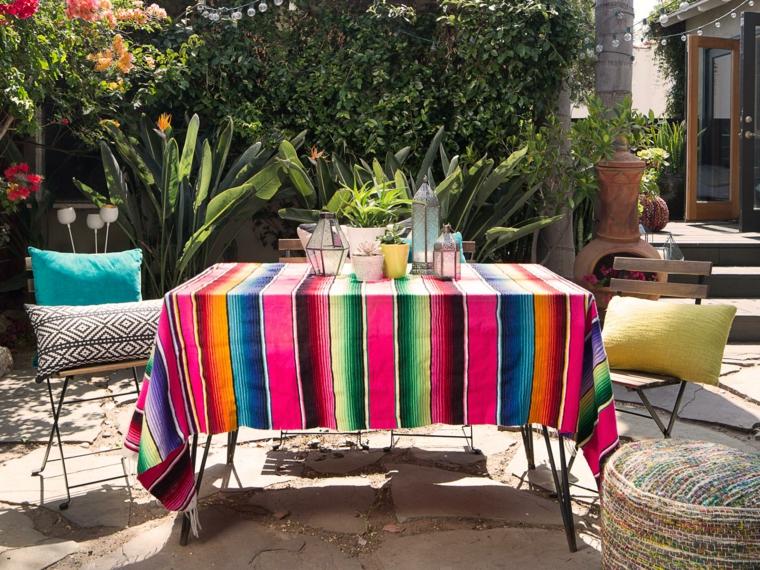 come abbellire un giardino semplice tovaglia colorata