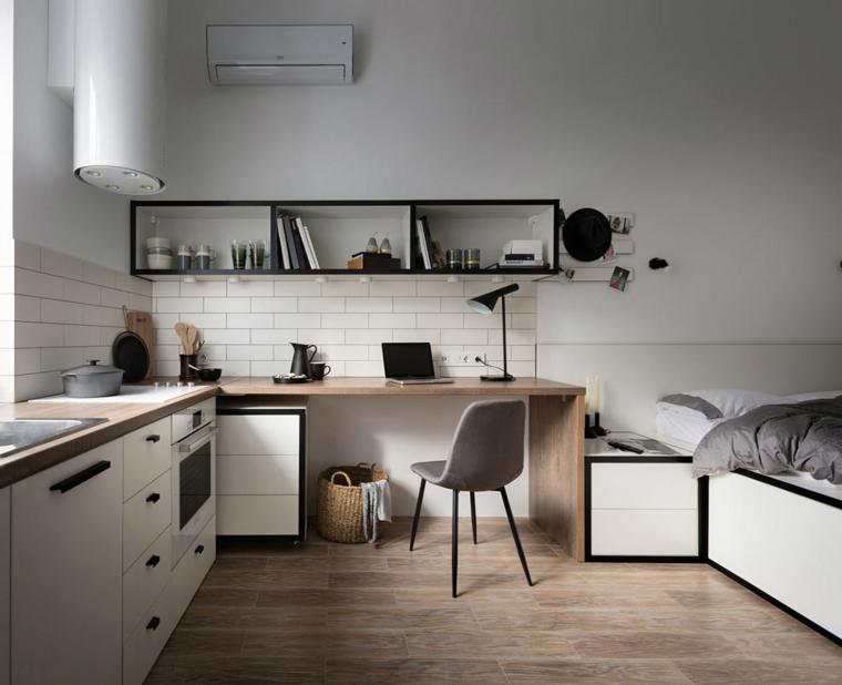 come arredare una casa piccola cucina con paraschizzi piastrelle bianche mensole di legno sulla parete