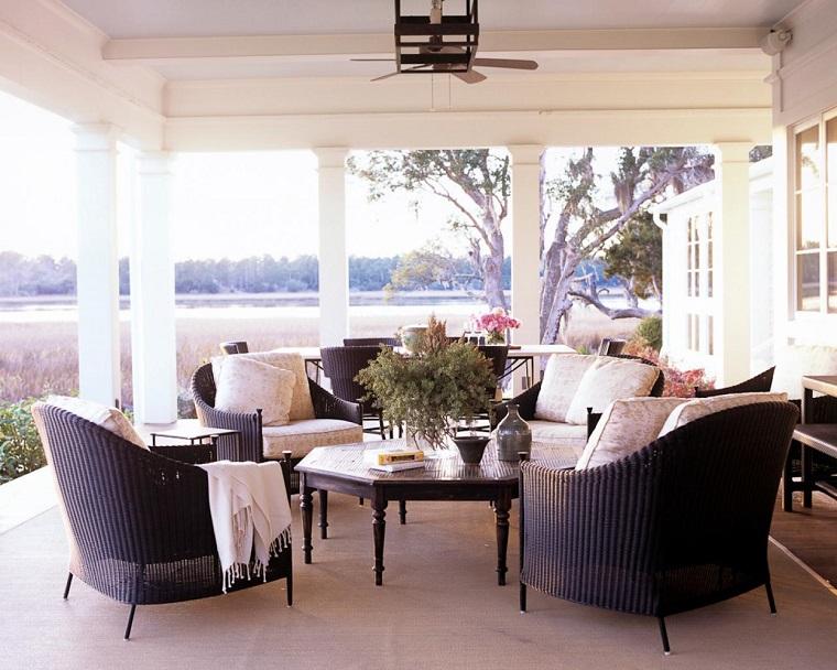 come arredare una veranda mobili eleganti