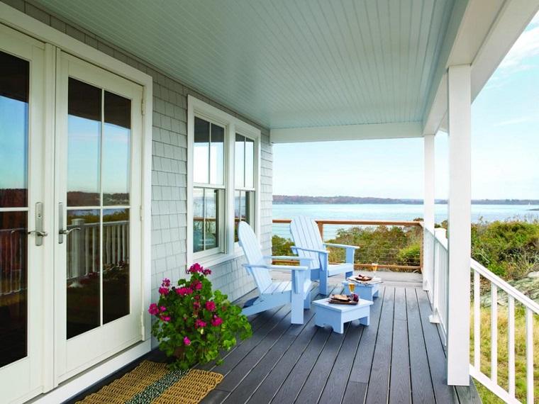come arredare una veranda poltrone colore azzurro