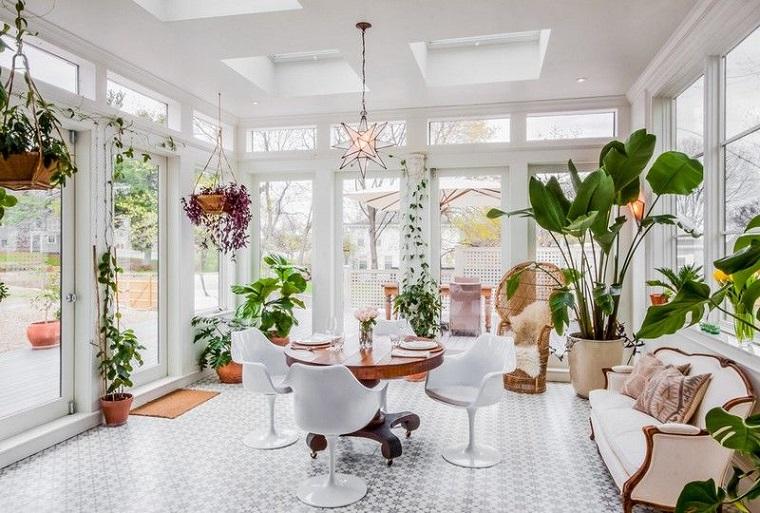 come arredare una veranda tante decorazioni