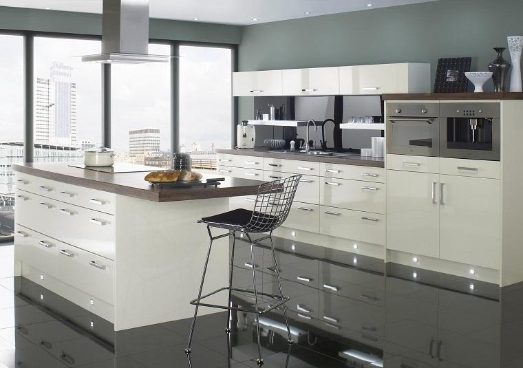 cucina arredata stile contemporaneo bianca laccata