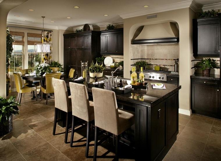Cucine rustiche moderne una fusione di stili per un - Cucina con isola e tavolo ...