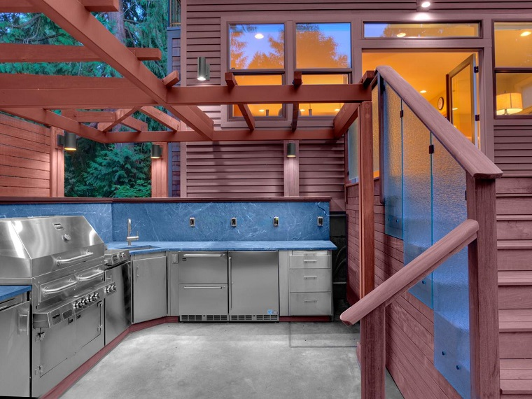 cucine da esterno idea mobili acciaio inox paraschizzi colore blu