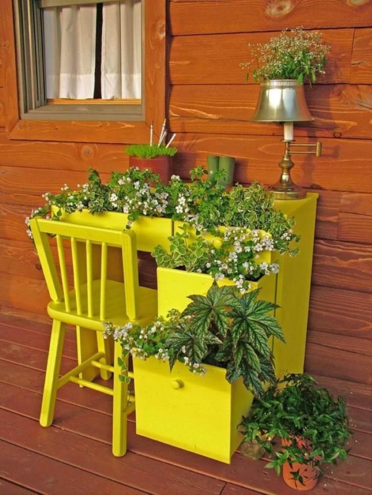 decorazioni fai da te mobile giallo recuperato