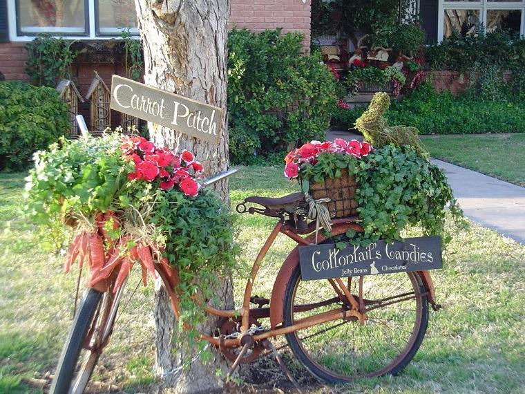 decorazioni giardino bici tanti fiori